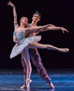 """<<Iana Salenko and Marian Walter in """"Le Corsaire"""" (Staatsballett Berlin)>>"""