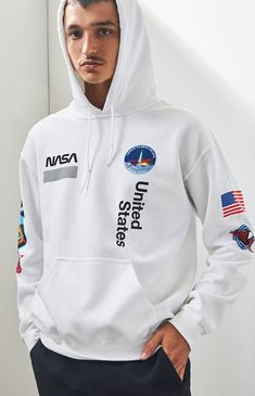 NASA lends their iconic branding to bring you this exclusive collection found at PacSun. The NASA Patch White Pullover Hoodie features a solid color design with varying NASA graphics on the front, sleeves, and back. Nasa Jacket, Nasa Patch, Nasa Hoodie, Pacsun Mens, Nasa Clothes, Stylish Hoodies, Hoodie Outfit, White Hoodie, Milky Way