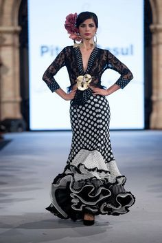 Pitusa Gasul - We Love Flamenco 2018 - Sevilla Spanish Fashion, Spanish Style, Flamenco Dancers, Flamenco Dresses, Edwardian Dress, Bohemian Style, Plus Size Fashion, Dress Skirt, Beautiful Dresses