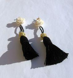 Earrings white roses