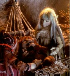 Kira caring for Pod Person at the Podling Village. The Dark Crystal. Dark Crystal Movie, The Dark Crystal, Jim Henson, Brian Froud, Puppet Making, Goth Beauty, Fantasy Costumes, Another World, Faeries