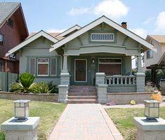 San Diego's Mission Hills neighborhood is chock full of cool Craftsman houses. (Photo: James C. Massey)