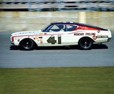 Swede Savage driving for the Wood Bros. as teammate to Cale Yarborough - 1969 Daytona Real Racing, Nascar Racing, Nascar Cars, Auto Racing, Daytona 500, Daytona Beach, Ford Torino, Old Race Cars, Vintage Race Car