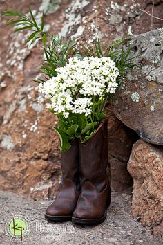 Cute :) this would be adorable with my old cowboy boots and some sunflowers infront of the door when people come in