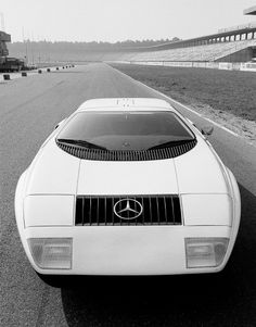 B & W images of the 1969 Mercedes C111