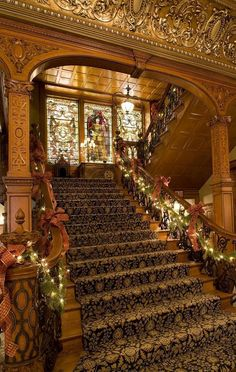 Main staircase in the Whitney Mansion - Detroit, Michigan. Built in the for lumber baron David Whitney Jr., the Whitney has since been transformed into one of Detroit's premier luxury restaurants. Detroit Area, Detroit Michigan, Victorian Interiors, Victorian Homes, Victorian Stairs, Detroit History, Second Empire, Stairway To Heaven, Beautiful Architecture
