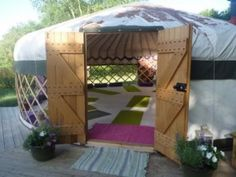 Yurt yoga space with airflow
