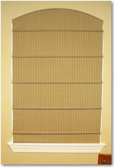 Natural arch-top roman blind