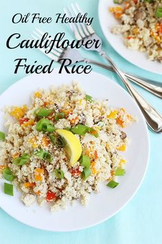 Oil Free Healthy Cauliflower Fried Rice is low carb, low fat, full of health benefits and super easy to make! Vegan and Gluten Free / TwoRaspberries.com
