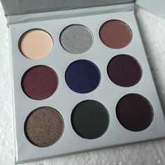 MODERN RENAISSANCE Eyeshadow Makeup Flossy Sunflower Eyeshadow Palette 9 Colors IN 1 Eye Shadow Shimmer And Matte Palette