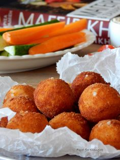 Food for thought: Kroketakia cheese The Kitchen Food Network, Pizza Snacks, Dessert Recipes, Desserts, Greek Recipes, Fritters, Food For Thought, Finger Foods, Food Network Recipes