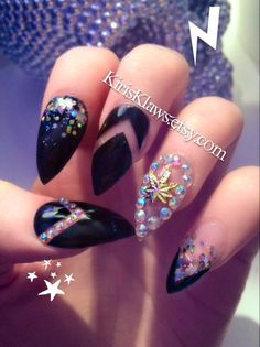x Golden Leaf x black negative space holographic glitter weed charm false nails limited stock