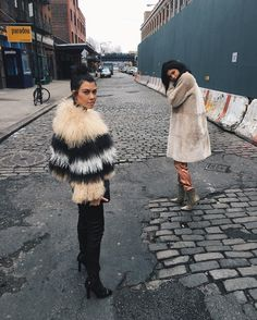 Kourtney and Kylie Take New York #kourtneyk #kardashians