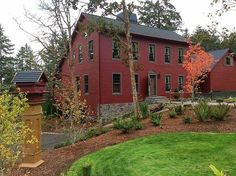 photo of primitive homes inside cave Red Houses, Saltbox Houses, Exterior House Colors, Exterior Paint, Siding Colors, Exterior Siding, Colonial House Exteriors, Colonial Architecture, New England Style Homes