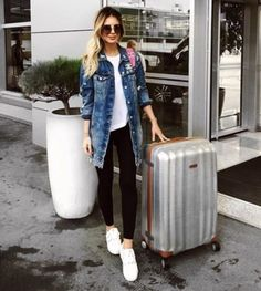 smart-casual-traveling-style- Chic traveling luggage http://www.justtrendygirls.com/chic-traveling-luggage/