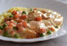 Filety z kurczaka z marchewką i groszkiem – Smaki na talerzu