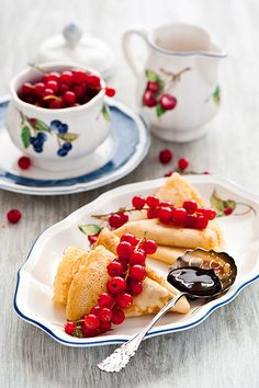 crepes with currants