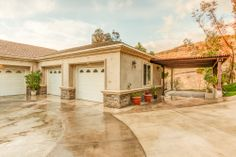 All of La Habra Heights best assets rolled into one property, flat land, beautiful views and extreme privacy.