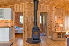DNB Eiendom v/Stian Kaasa har gleden av å presentere fritidsboligen Bråtåhøgda 67. Tiltalende og sjarmerende fritidsbolig i regulert hytteområde på Trautskogen. Hytten har alt på et plan med både praktisk planløsning og god standard. *Nyoppført og moderne hytte fra 2008. *Alt av inventar på visingstidspunktet medfølger salget. *Tur og skiløper i nærmiljøet. *Jaktmuligheter rett utenfor døren. *...