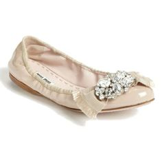 Miu Miu Crystal Bow Ballerina Flat (37.5, cipria) Miu Miu,http://www.amazon.com/dp/B00FFJC40A/ref=cm_sw_r_pi_dp_tl-Tsb1N0SRA6RCT