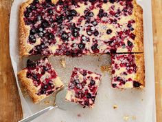Marja-jogurttipiirakka Sweet Pie, Something Sweet, No Bake Cake, Tart, Waffles, French Toast, Berries, Good Food, Sweets