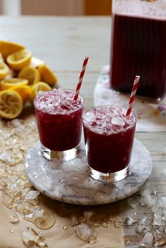 Fresh Blueberry and Mint Lemonade