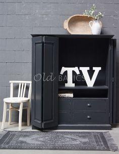 Tv Storage, Locker Storage, Antique Corner Cabinet, Den Decor, Home Decor, Living Room Storage, Old Tv, Country Life, Antiques