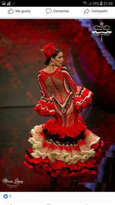 Flamenco Dancers, Belly Dancers, Flamenco Dresses, Spanish Dancer, Edwardian Dress, Fashion Sewing, Dance Music, Fishtail, Glamour