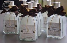 FRASCO DE SABONETE LIQUIDO MODELO CLASSIC - LEMBRANCINHA 15 ANOS by Gifts for a special Occasion