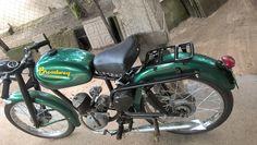 """moto broadway con SILLIN--------motocicleta fabricada en argentina (la de la foto es modelo 1962) , por """"establecimientos broadway saic"""" con domicilio en Tarija 4372 Buenos Aires-equipada con el motor de licencia alemana FISTCHEL Y SACHS de 98cc y dos velocidades , el mismo equipo a la moto argentina PUMA fabricada por IAME--"""