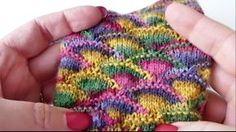 Aneleitungevideo zum einfach nachmachen: Im Frühjahr werden auch unsere Socken bunter! Sylvie zeigt euch, wie ihr dieses Muschelreigen-Muster einfach
