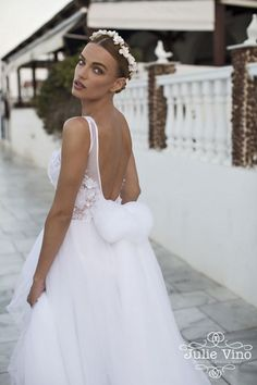 Julie Vino Santorini Collection | SouthBound Bride | http://www.southboundbride.com/julie-vino-santorini-collection