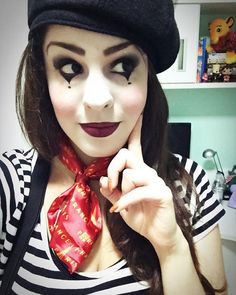 Pin for Later: 60 DIY Halloween Costume Ideas Tailored to Teens Mime Going as a mime is a totally stylish and chic option, as evident by this pic!
