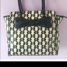 Betsy large purse Great condition!!! Very roomy bag Betsey Johnson Bags