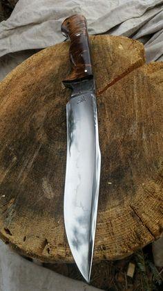 Dark Timber Custom Knives added a new photo. Cool Knives, Knives And Tools, Knives And Swords, Fabrication Metal, Tactical Pocket Knife, Pocket Knives, Knife Stand, Combat Knives, Knife Sheath