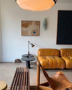 Home decor retro Home Interior, Modern Interior, Interior Architecture, Interior Decorating, Living Room Inspiration, Interior Design Inspiration, Piece A Vivre, Deco Design, Home And Deco