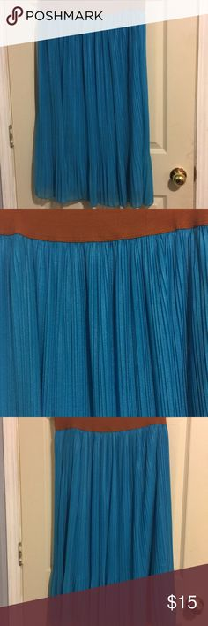 Shop Women's Metro Wear Blue Brown size L Maxi at a discounted price at Poshmark. Description: MetroWear Long Cowgirl Blue Skirt Size L. Sold by femme_miao. Long Blue Skirts, Plus Fashion, Fashion Tips, Fashion Design, Fashion Trends, Blue Brown, How To Wear, Closet, Outfits
