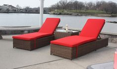 Why We Love Wicker Chaise Lounges by the Pool http://www.wickerparadise.com/wicker-chaise-lounges-by-the-pool.html