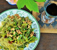 Veggie Sutra: Edamame Spaghetti with Asparagus: A low-carb dinner entree Edamame Spaghetti, Clean Eating, Healthy Eating, Pasta, Dinner Entrees, Yummy Food, Delicious Recipes, Healthy Drinks, Asparagus