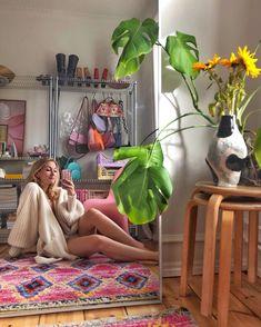 """ASTRID BRYNNUM ANDERSEN 🌸 on Instagram: """"Jeg kan vise dig alt, fra mit flyvende tæppe 🎶"""" My New Room, My Room, Dorm Room, Dream Rooms, Dream Bedroom, Bedroom Inspo, Bedroom Decor, Indie Room, Aesthetic Room Decor"""