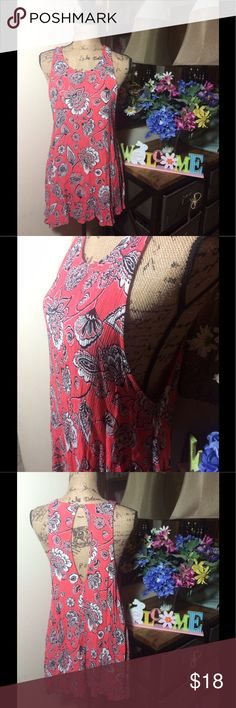 Free People Flower Sleeveless Dress Free People Flower Sleeveless Dress; this is super cute and comfy; gently used and good condition 💜 size XS Free People Dresses Midi