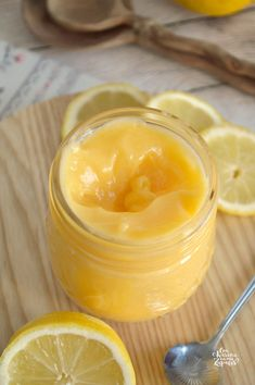 How to make Lemon Curd. Crema Inglesa de Limón Lemon Curd or English Lemon Cream. One of my favorite creams that can never be missing. Muffins, biscuits or just spoonfuls. Lemond Curd, Salsa Dulce, Tasty, Yummy Food, Sin Gluten, Sweet Recipes, Cupcake Cakes, Sweet Tooth, Bakery