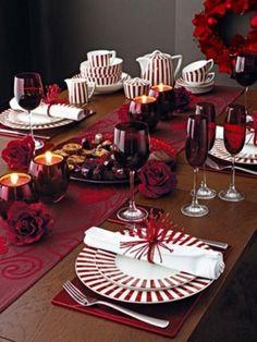 Tavola di Natale, decorazione rosso scuro