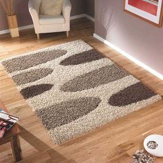 Rug with super thick shaggy pile and great design