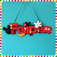 Nome em feltro Felipe Mickey Baby Crafts, Felt Crafts, Diy And Crafts, Arts And Crafts, Felt Banner, Felt Letters, Disney Diy, Disney Crafts, Cuadros Diy