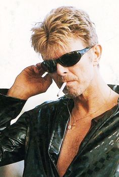 Rugged or not, David Bowie always managed to look cool, good, marvelous for the camera.