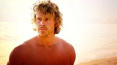 Eric Christian Olsen scruffy sun god ;)