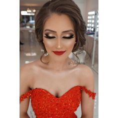"""My beautiful Seda for her Henna Night Perfect cut crease Smokey Bridal makeup #BeautyParadise @ummudogabeautysalon ? ?? Hair by @meltemkuafor…"" (Prom Hair For Strapless Dress)"