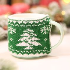 Cheap Christmas, Christmas Coffee, Christmas Bags, Cozy Christmas, Christmas Knitting, Best Christmas Gifts, Party Table Decorations, Christmas Party Decorations, Christmas Themes