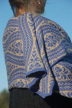 a beautiful traditional folk lore scarf pattern that would make the perfect gift for mums or aunties Ravelry: Scandinavian pattern by Kieran Foley Fair Isle Knitting Patterns, Knitting Designs, Knitting Projects, Knitted Cape, Knitted Shawls, Lace Knitting, Knit Crochet, Knitting Scarves, Knitting Stiches
